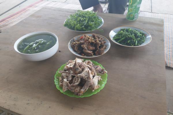 Bữa Cơm Ấm Cúng Trong Chuyến Đi Tìm Hiểu Về Tứn Khửn